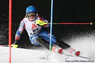 FLACHAU,AUSTRIA,09.JAN.18 - ALPINE SKIING - FIS World Cup, night slalom, ladies. Image shows Katie Hensien (USA). Photo: GEPA pictures/ Mathias Mandl